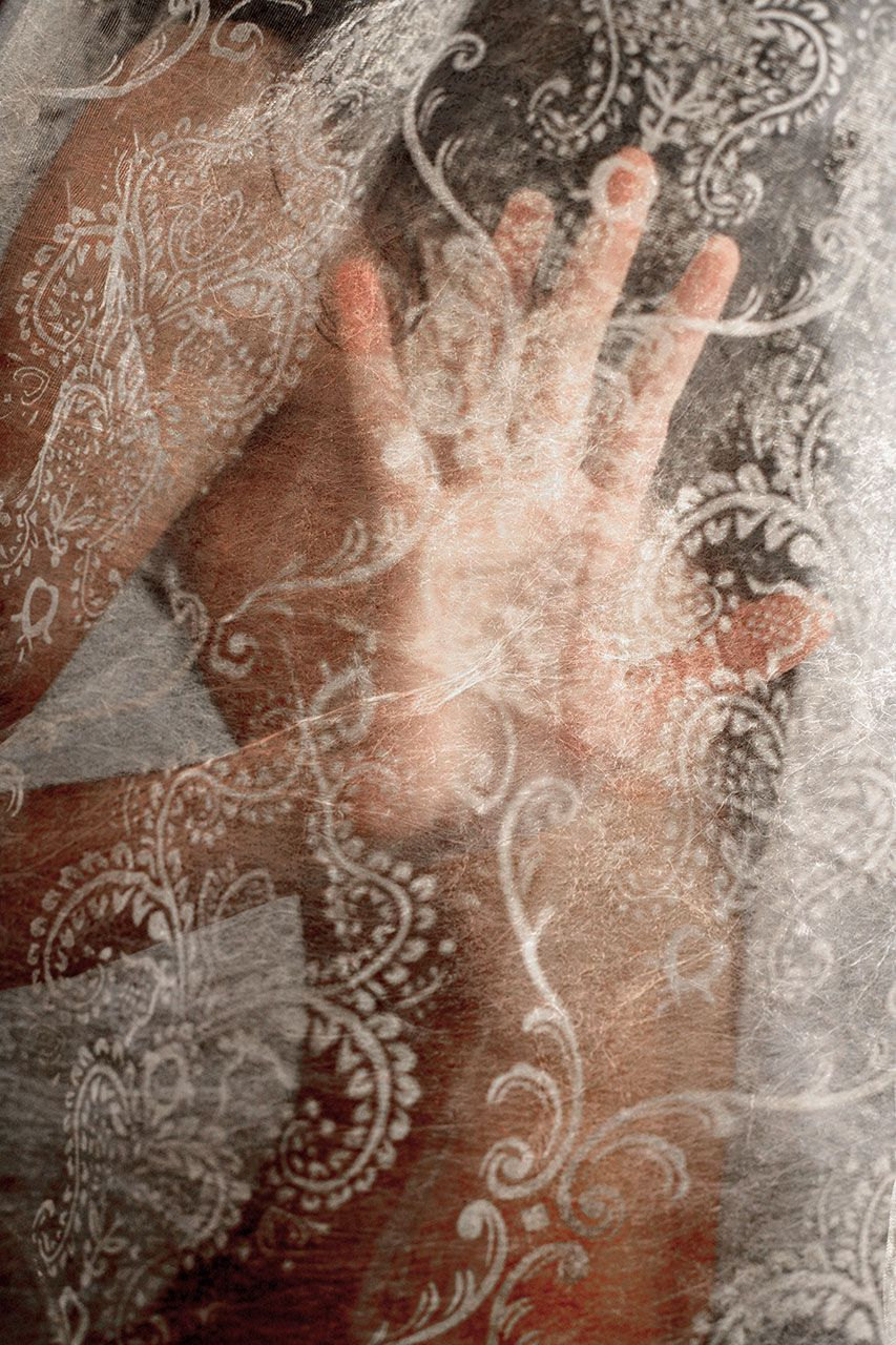 Lisa Brunner - Art Photographer - Nude woman hiding behind lace