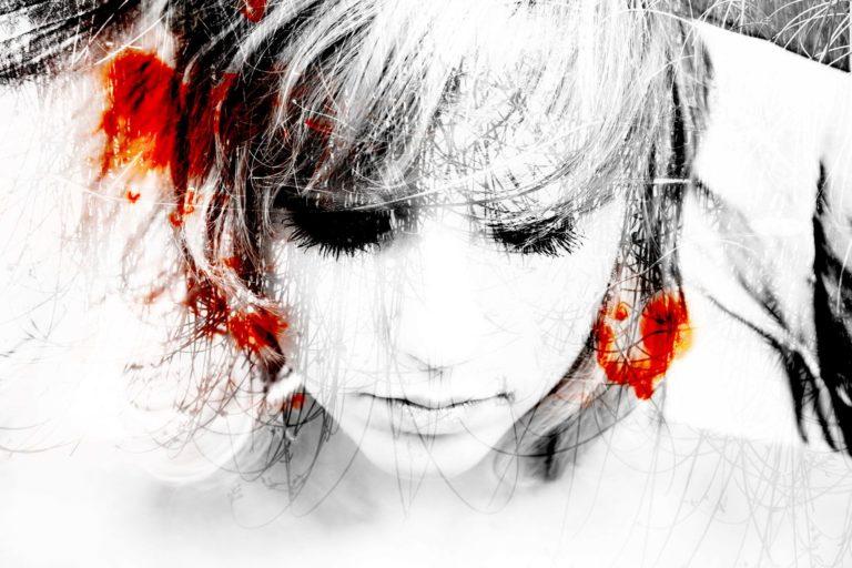Lisa Brunner - Art Photographer - Pale woman blood