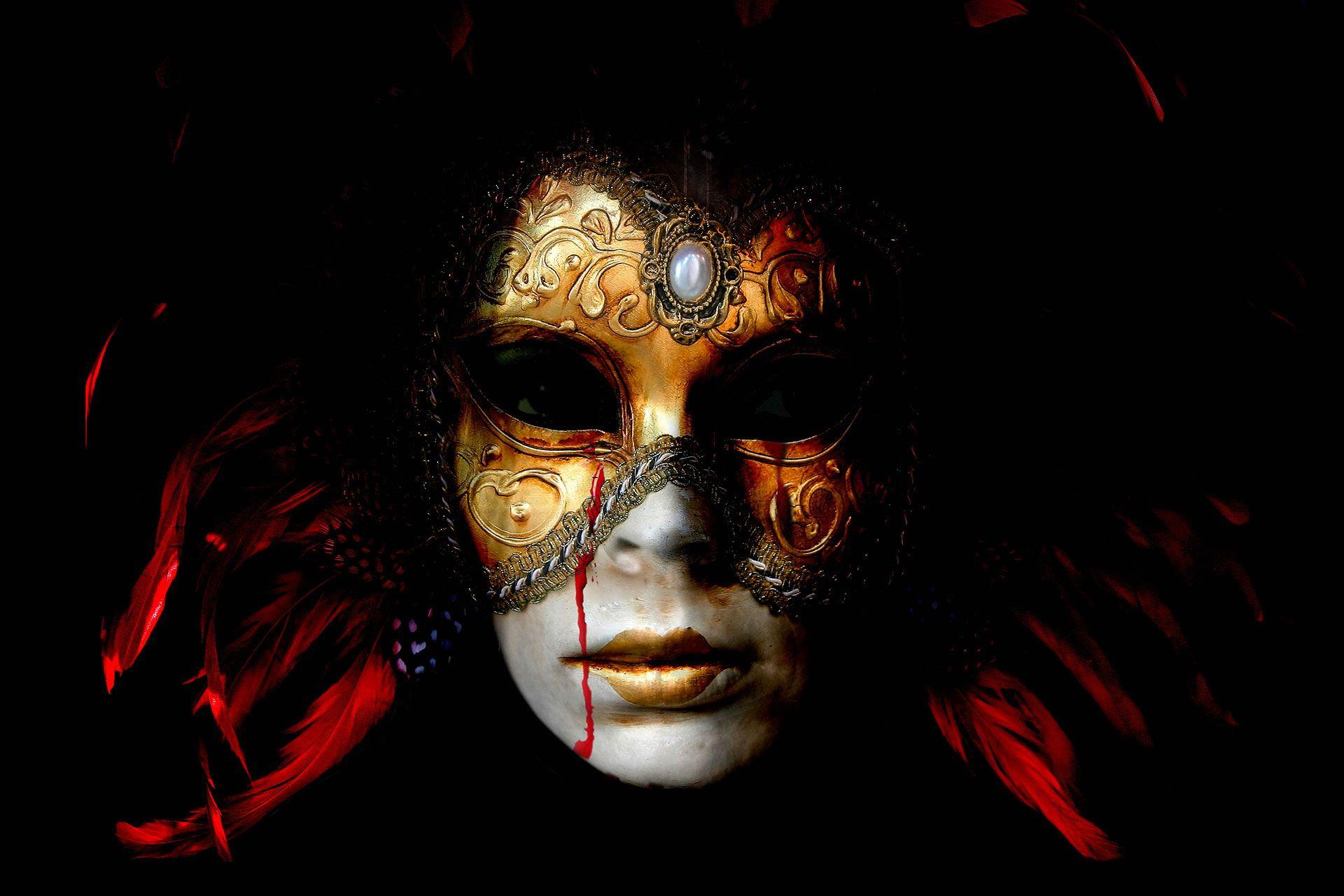 Lisa Brunner - Art Photographer - Venetian mask and blood tears